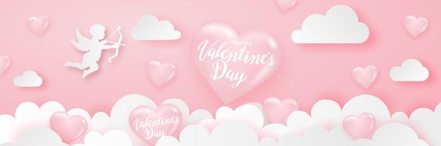 Frohes valentinstag-banner mit herzen, amor und wolken, zarter rosa festlicher hintergrund.