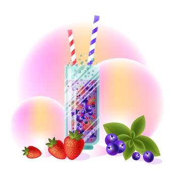Fruchtcocktail mit erdbeeren und blaubeeren.