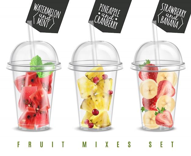 Fruchtmischung 3 realistische sommersnacks in plastikglasportionen, gesetzt mit wassermelonenananas-erdbeer-bananen-vektorillustration