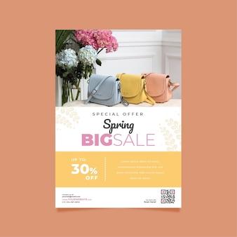 Frühlingsverkauf flyer vorlage mit pastellfarbenen geldbörsen