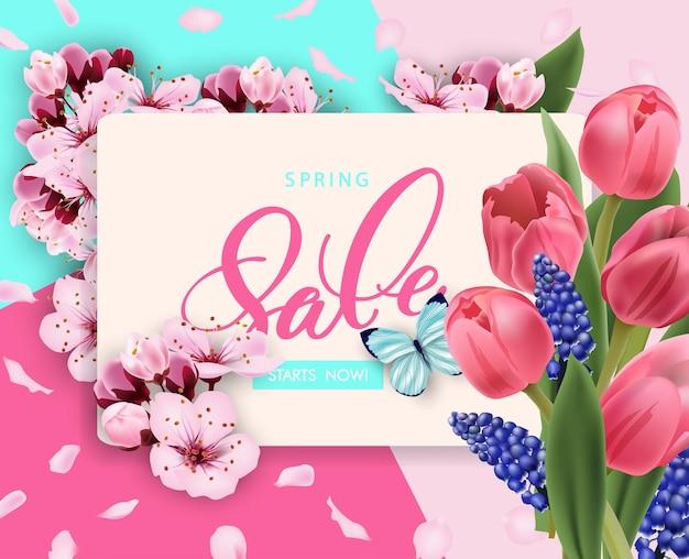Frühlingsverkauf vektor-banner-design mit blumen kirsche und rahmen. frühlingsverkauf mit kirschblütenhintergrund.