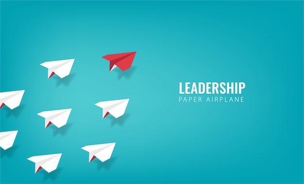 Führungsdesignkonzept mit papierflugzeugsymbol.