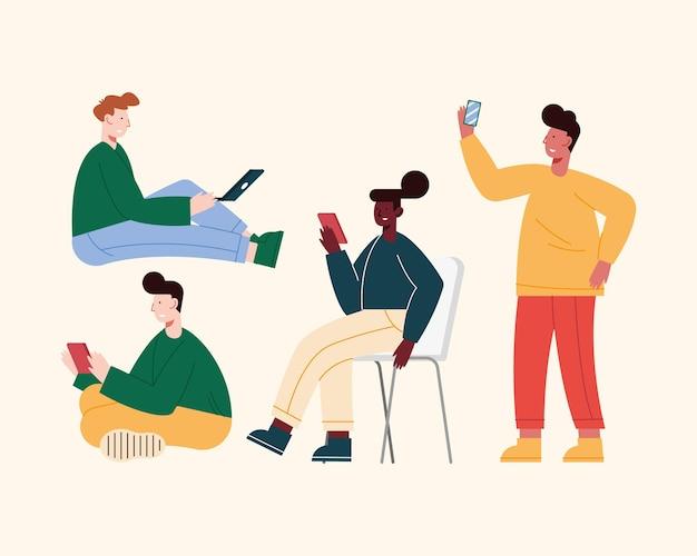 Fünf personen mit mobilen geräten