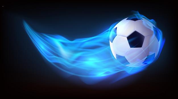 Fußballkugeln, die in feuerhintergrund fliegen