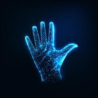 Futuristische glühende niedrige polygonale angehobene offene weibliche hand lokalisiert auf dunkelblauer farbe.