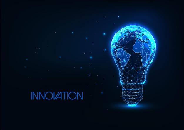 Futuristisches globales energie-, innovationskonzept mit glühender niedriger polygonaler glühbirne mit erdkarte