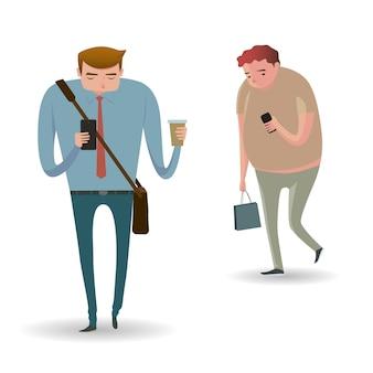 Ganzaufnahme von den leuten, die am intelligenten telefon gehen und simsen oder sprechen.