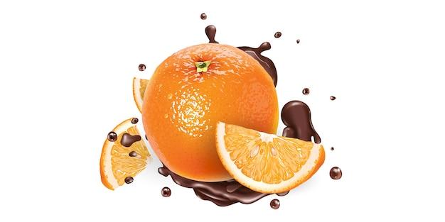 Ganze und geschnittene orangen in schokoladenspritzern auf weißem hintergrund. realistische illustration.