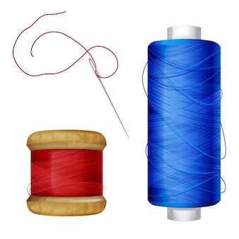Garnrollenabbildung auf nähenden werkzeugen. blauer und roter faden auf hölzerner und plastikspule