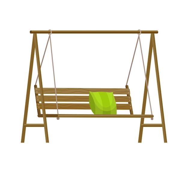 Gartenschaukelbank. klassische hängemöbel aus holz im freien mit grünem kissen. hölzerne verandaschaukel, die am rahmen mit seilen hängt. terrassenelement zum entspannen