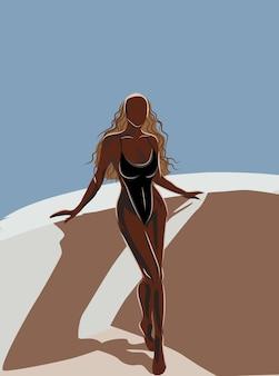 Gebräunte blonde frau im trikot, die sich auf dem balkon sonnen