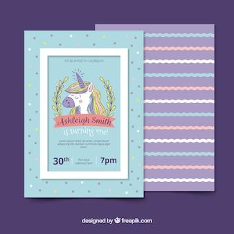 Geburtstagskarte mit hübschem hand gezeichnetes einhorn