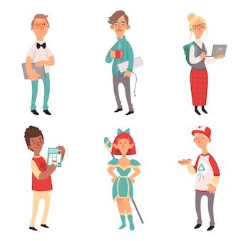 Geek charaktere. mädchen und jungen nerd computertechnologie liebhaber cartoon maskottchen