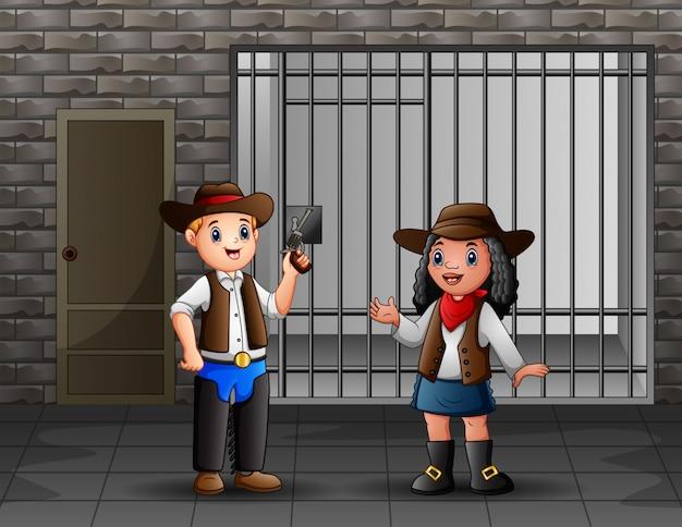 Gefängnisinnenraum mit gefangenen und polizeibeamten