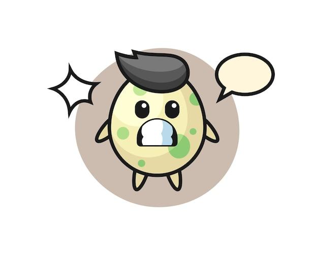 Gefleckter ei-charakter-cartoon mit schockierter geste, süßem design für t-shirt, aufkleber, logo-element