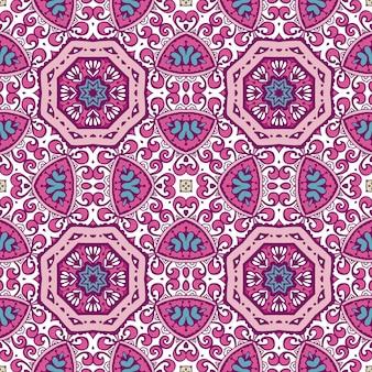 Gefliestes ethnisches blumenmuster. nahtloses muster des abstrakten geometrischen mosaikweines dekorativ.