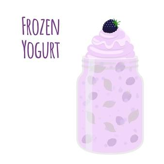 Gefrorener joghurt mit brombeere im weckglas