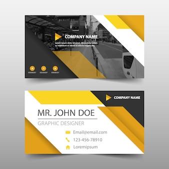 Gelbe dreieck abstrakte banner vorlage design