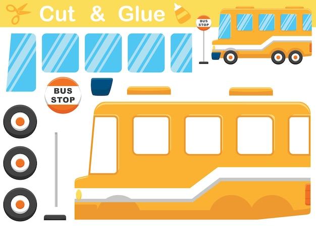 Gelbe schulbuskarikatur mit bushaltestellenschild. bildungspapierspiel für kinder. ausschneiden und kleben