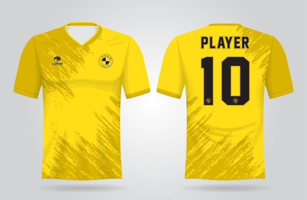 Gelbe sporttrikotschablone für mannschaftsuniformen und fußball-t-shirt design
