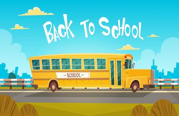 Gelber bus, der zurück zu schule am 1. september reitet