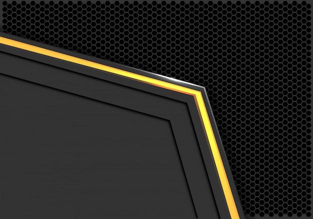 Gelber heller neonpfeil grauer dunkler hexagonmaschenhintergrund.