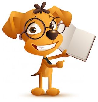Gelber kluger hundelehrer mit brille hält ein offenes buch