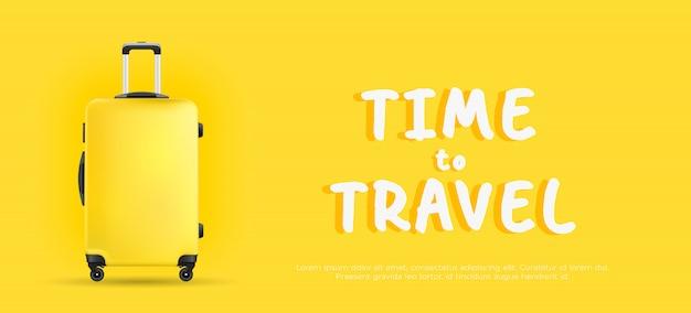 Gelber koffer auf gelbem hintergrundfahnenzeit zu reisen