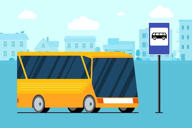 Gelber moderner stadttransportbus auf stadtbildstraße in der nähe von bushaltestellenzeichenvektor flach
