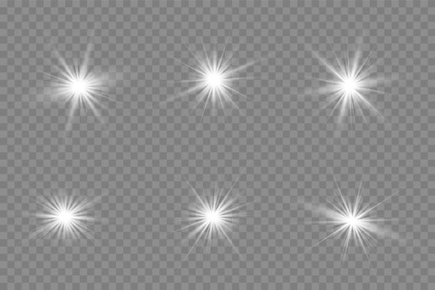 Gelbes leuchtendes licht explodiert auf einem transparenten hintergrund.