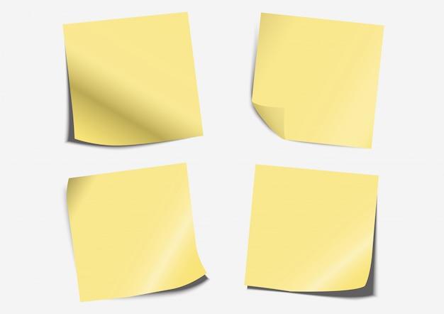 Gelbes postanmerkungsetikettenpapier, das an bord eingestellt faltet