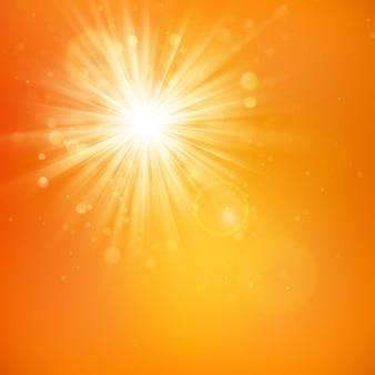 Genieße den sonnenschein. warmes tageslicht. sommerhintergrund mit einer heißen sonne platzte mit linseneffekt.