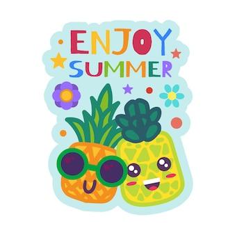 Genießen sie sommerabzeichen lustige ananas in sonnenbrillen. cartoon-früchte-aufkleber. bunter patch mit kreativem schriftzug. vektordesign für sommerparty oder urlaub