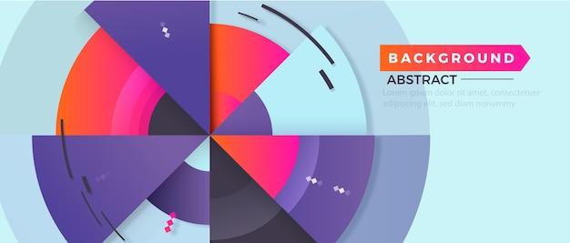 Geometrischer hintergrund mit farbverlauf mit verschiedenen dreiecksgrößen