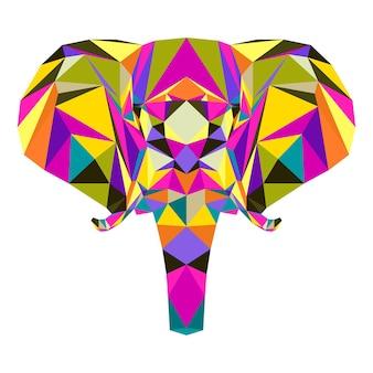 Geometrisches elefantenporträt des polygonalen dreiecks lokalisiert auf weiß