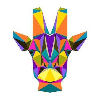 Geometrisches giraffenporträt des polygonalen dreiecks lokalisiert auf weiß