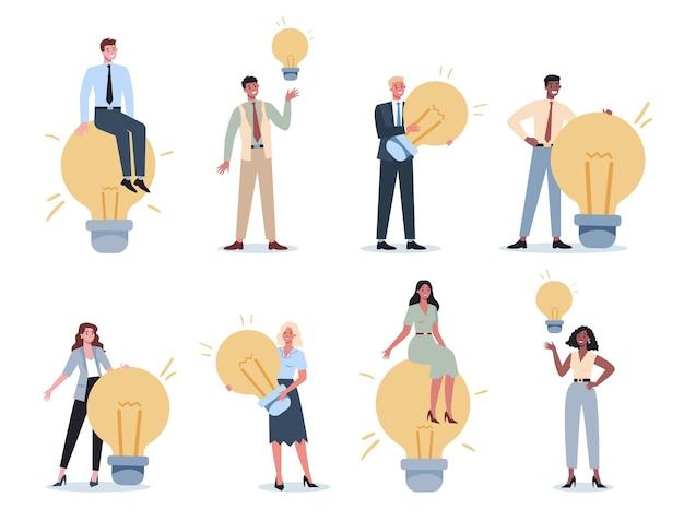 Geschäftscharakter, der einen glühbirnensatz hält. ideenkonzept. kreativer geist und brainstorming. über innovation nachdenken und lösung finden. glühbirne als metapher.