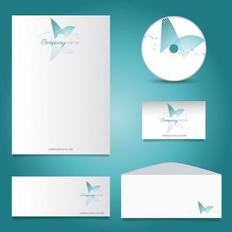 Geschäftsdrucksachen mit dekorativen logo-design gesetzt
