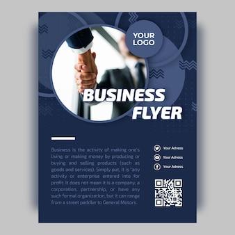 Geschäftsfliegerschablone mit foto