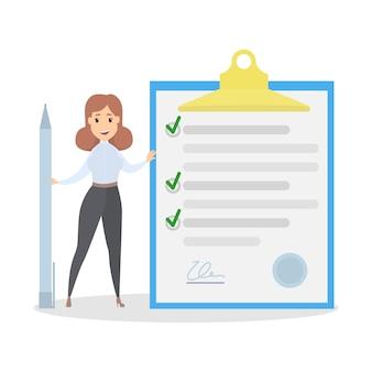 Geschäftsfrau, die an einem riesigen cliboard steht und stift hält. vollständige checkliste. isolierte wohnung