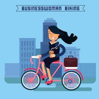 Geschäftsfrau, die fahrrad fährt