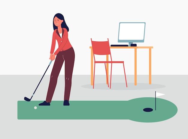 Geschäftsfrau, die golfspiel während der erholungspause bei der arbeit spielt, illustration auf büroinnenhintergrund. sport spiele und freizeitkonzept.