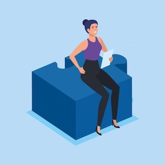 Geschäftsfrau, die im puzzlespielstück sitzt
