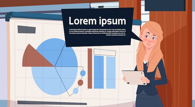 Geschäftsfrau holding presentation stand über bord mit diagrammen und diagramm-geschäftsfrau-seminar