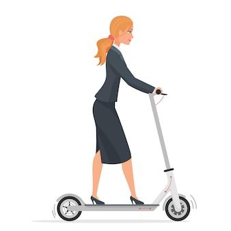 Geschäftsfrau im formellen anzug unter verwendung des städtischen fahrzeugs des elektrorollers isoliert