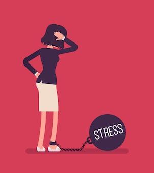 Geschäftsfrau mit einem riesigen metall gewicht stress angekettet
