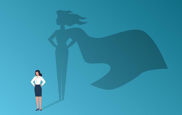 Geschäftsfrau mit superheldenschatten. selbstbewusste starke frau, symbol für emanzipation und feminismus, potenzial, professionelle ambition und erfolgskarriere, vektorflach-cartoon-konzept