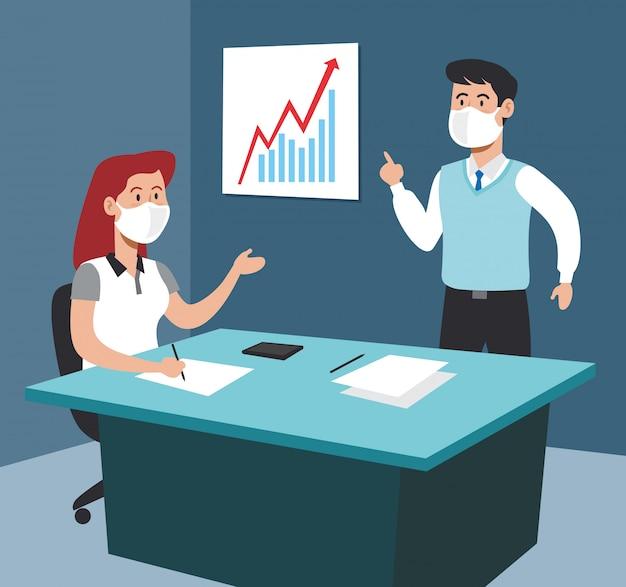 Geschäftsfrau und geschäftsmann im büro mit dokumentenstrategie
