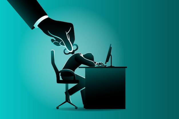 Geschäftskonzept, müder geschäftsmann mit wicklern auf seinem rücken schläfrig auf computertisch, der von großer hand gesteuert wird