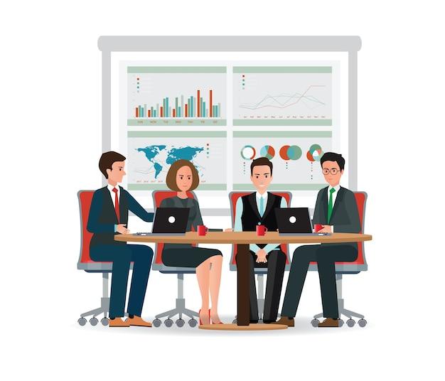 Geschäftsleute, die an einem großen konferenztisch sich treffen.